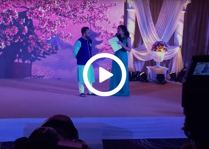 Anchor Dhwani Karia interacting with the groom