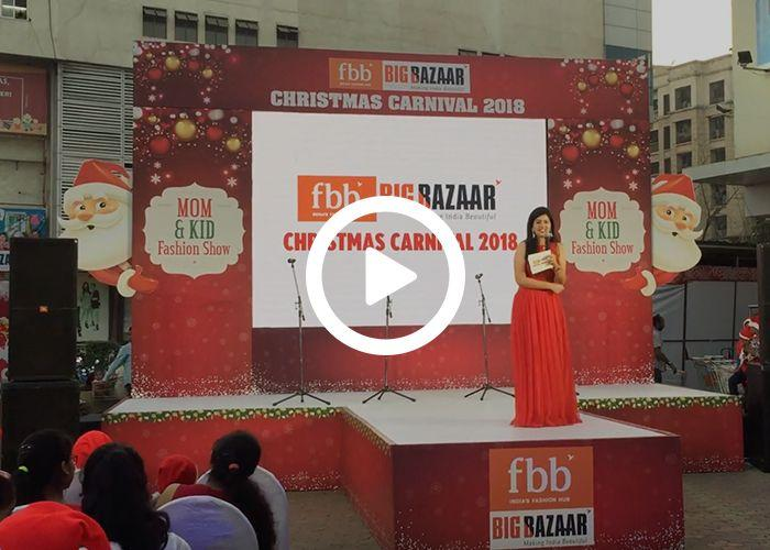 Anchor Dhwani Karia hosting FBB Fashion Show